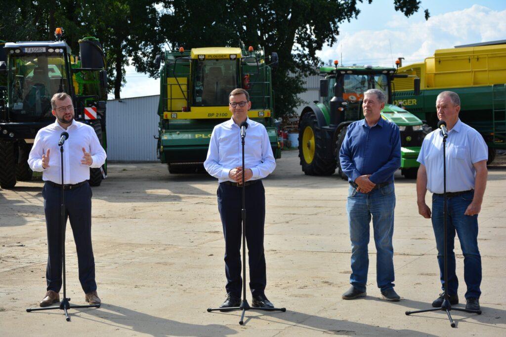 Premier oraz Minister Rolnictwa i Rozwoju Wsi wraz z członkami Grupy Producentów Warzyw Fasgro
