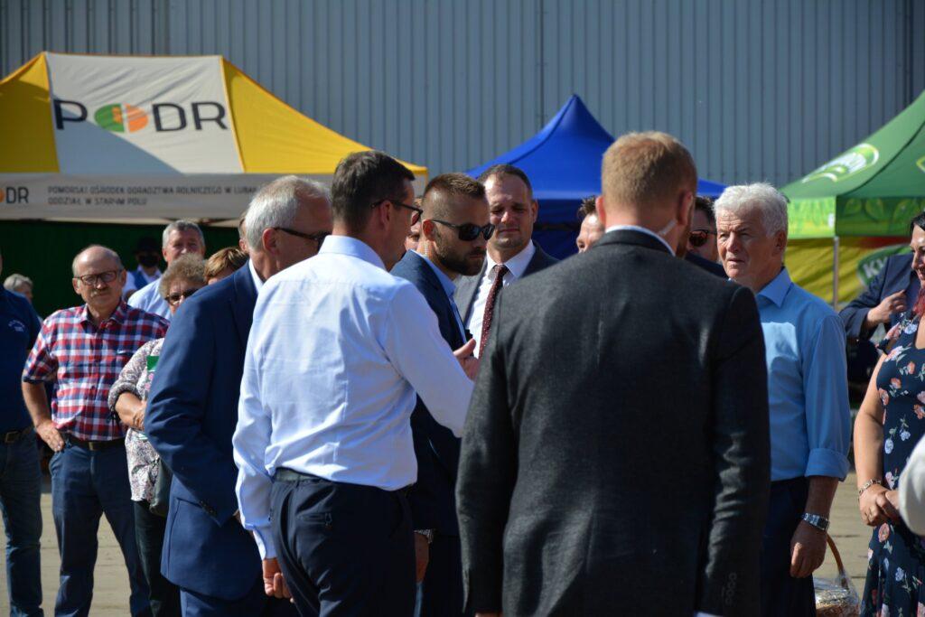 Premier oraz uczestnicy spotkania