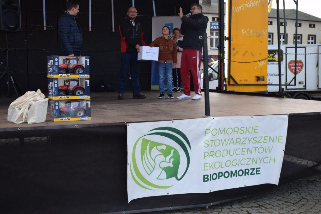 losowanie zwycięzcy konkursu Ekologia w pigułce