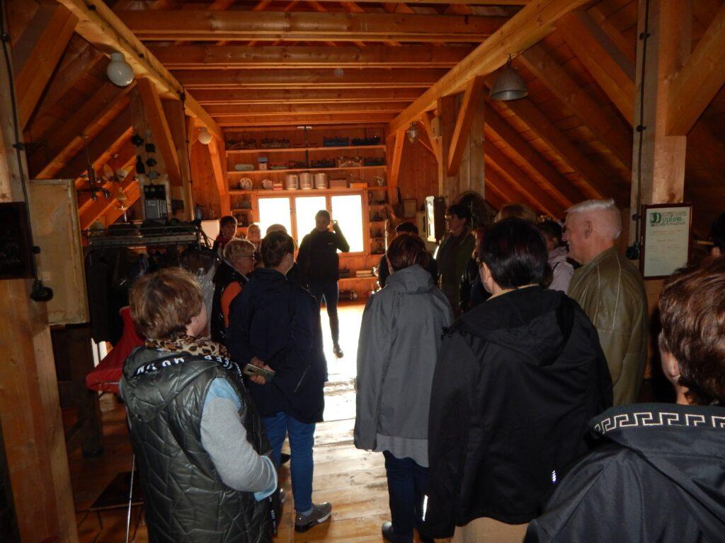 Pogadanka w Tradycyjnej zagrodzi rolnej Skansen Ochaby