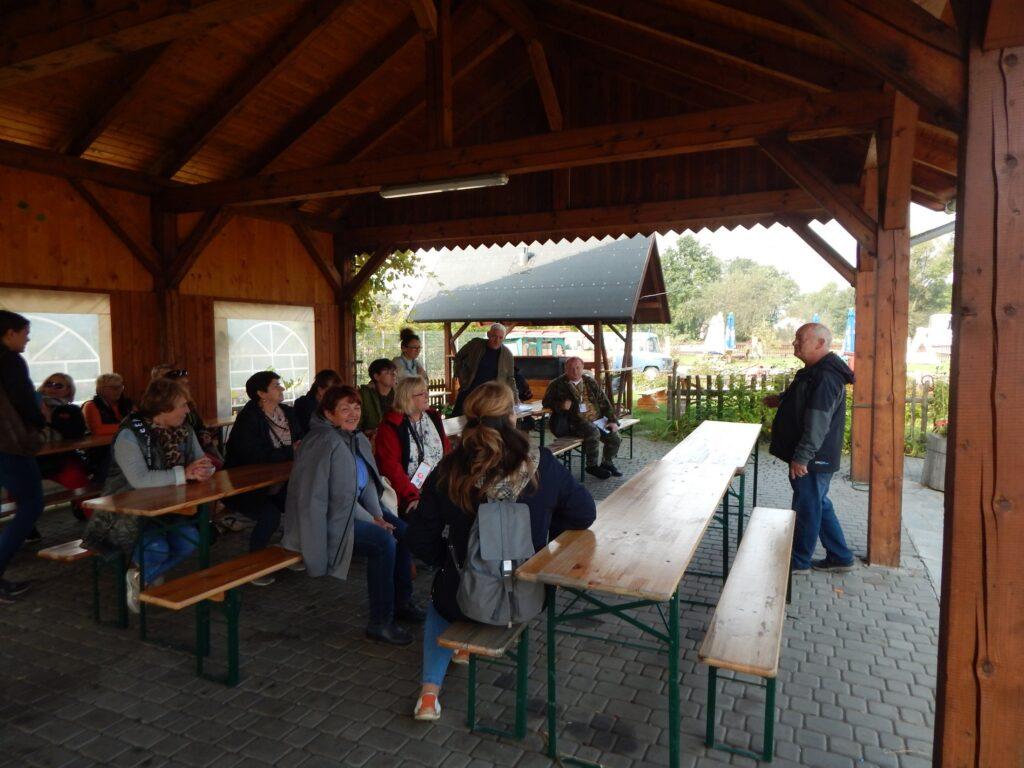 Pogadanka w Tradycyjnej zagrodzie rolnej Skansen Ochaby (1)